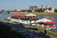 Boat Hostel Barka Basia