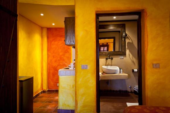 Sinai Old Spices - Mini kitchen and bathroom